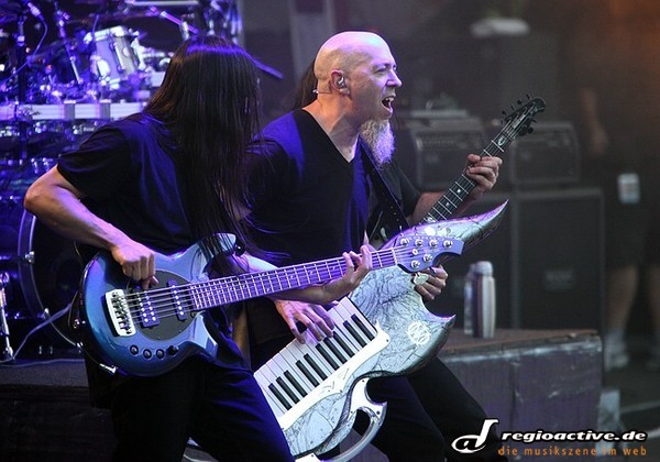 Traumhaft - Fotos: Dream Theater live beim 6. Night Of The Prog Festival auf der Loreley